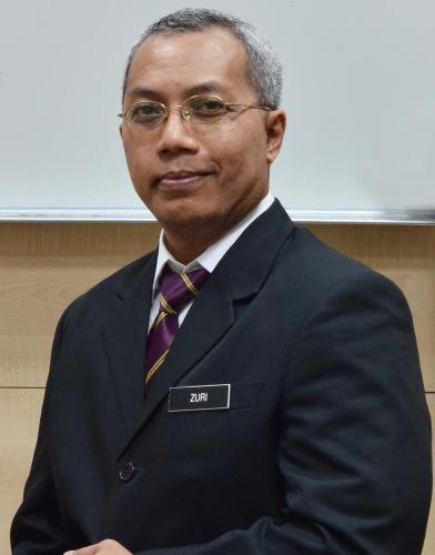 Encik Ahmad Zuri Makhtar